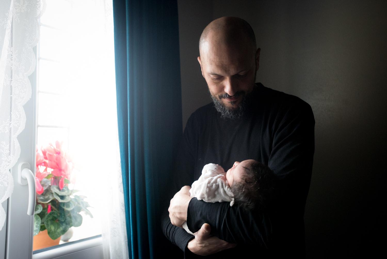 Maternità consapevole fotografia parto con ostetrica Bologna